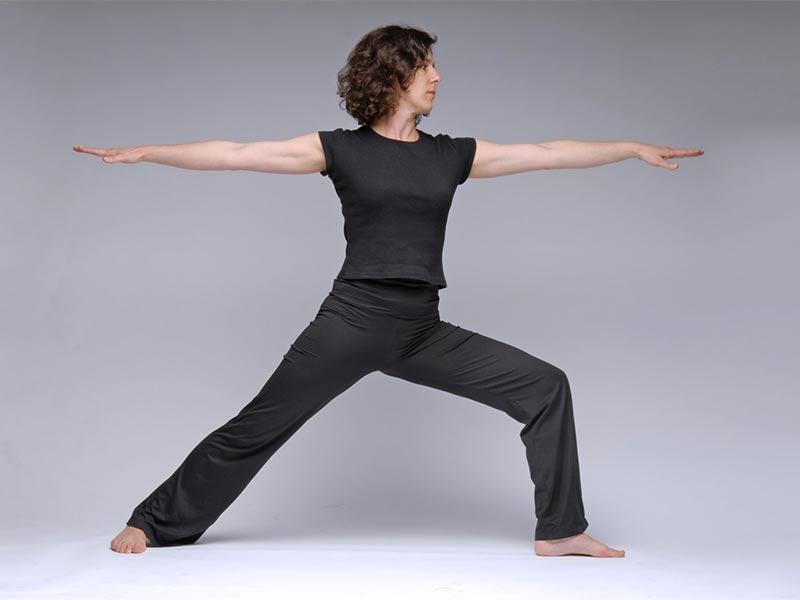 30 minute Hatha style yoga practice. Short mindfulness